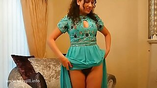 Hot pov and fingering therapist SHOWS her force of nature DOLLAR EN LA CAMALE VRENTINA - duration 6:43