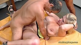 Busty MILF enjoying extreme sex with dude - duration 13:09