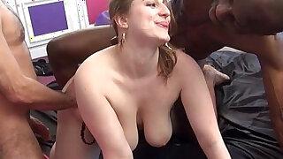 vaginas - Grosse salope bien defoncee et humiliee par lascars !! French amateur