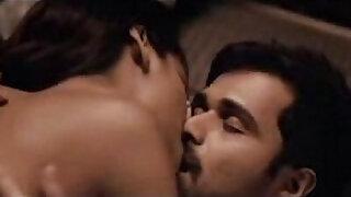Esha Gupta kiss sex scene in group with Emraan Hashmi - duration 1:31