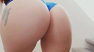 Mandy Muse Twerks and Shakes Her Big Ass - duration 5:00