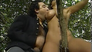 Melodie Kiss scene from Orgies Romaines - duration 7:00