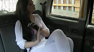 Tattooed amateur pussyfucked by taxi driver - duration 10:00