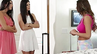 Damn gorgeous ladies August with India and NIkki goes pussy tribbing - duration 6:00