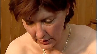 Dirty mature woman going crazy getting - duration 5:00
