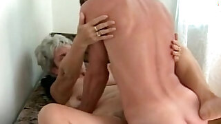 grandma knows how to fuck a cock - duration 7:00