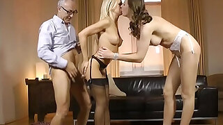 Stockinged UK milf ass fucked standing up in trio - duration 10:00