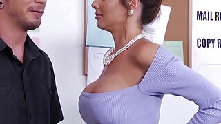 Stockinged veronica avluv fuck in the office - duration 8:00