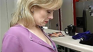 Super sexy older lady is so horny she has to masturbate - duration 14:00
