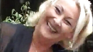 Horny granny in action - duration 10:00