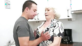 Seducing granny screwed in her hairypussy - duration 6:00