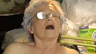 Old chubby Granny masturbate - duration 9:00