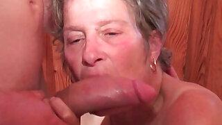Grand mere sodomisee et fistee par un jeunot pour son casting porno amateur - duration 32:00
