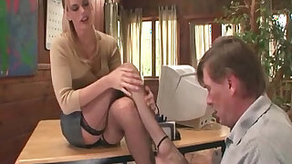 Therapist footsex with a patient bang with foot fetish - duration 4:00