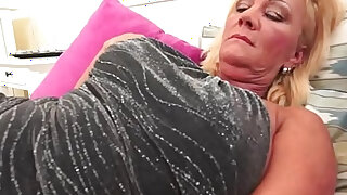 Spunk mouthed granny blow - duration 6:00