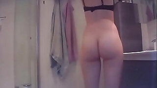 Bathroom Spycam Caught Young asian Teen girl Getting Naked - duration 2:00