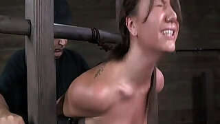 Bondage device makes her immobilized - duration 7:00