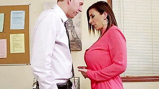 Brunette milf sara jay fucking in the office - duration 8:00