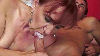Orally pleasured gilf sucks big dick - duration 6:00