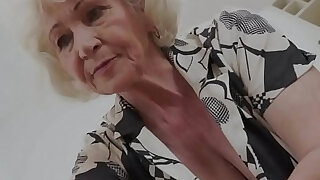 Mature grannys mouth cum - duration 6:00