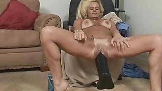 Alluring Sexy Mature Secretly Screwed - duration 5:00