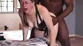 Lovely grandma from gets cunt fucked by black friend - duration 4:00
