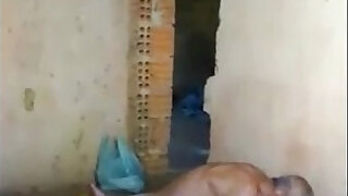 Indian Young And Old Couple Masti Secretly In Mobile Of Neighbour Wowmoyback - duration 0:42