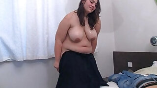 She makes massage then gets doggystyled - duration 6:00