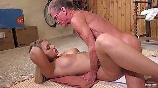 Pretty livejap anal Big tit babe Julie Star masturbating - duration 8:31